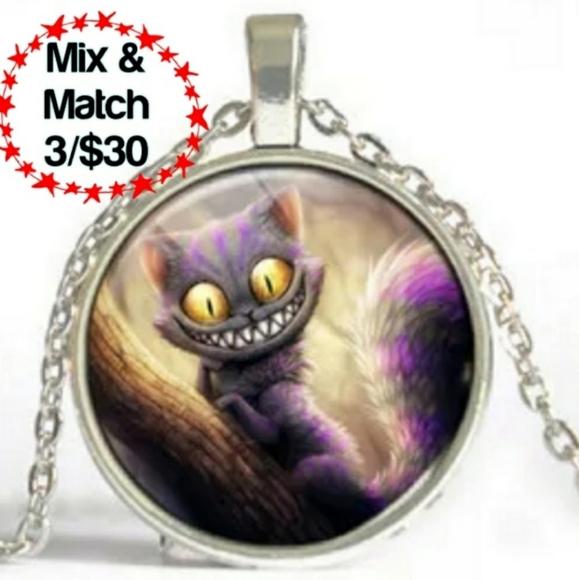🔹️Alice in Wonderland Silvertone Necklace